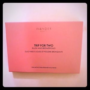 Wander beauty trip for two blush & bronzer duo